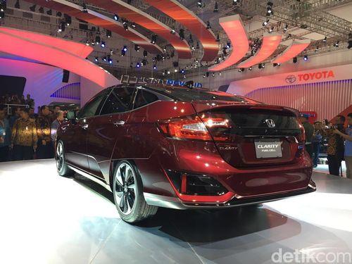 Daya Jelajah Mobil Hidrogen Honda Kalahkan Toyota