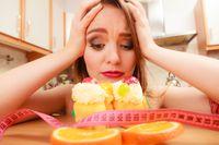 Saking ingin kurus, Anda menjadi menghindari semua lemak. Padahal lemak membantu Anda untuk merasa kenyang lebih lama dan justru menghindari Anda dari makan dengan kalap. Pilihlah makanan dengan lemak sehat seperti alpukat sebagai asupan lemak Anda. (Foto: ilustrasi/thinkstock)