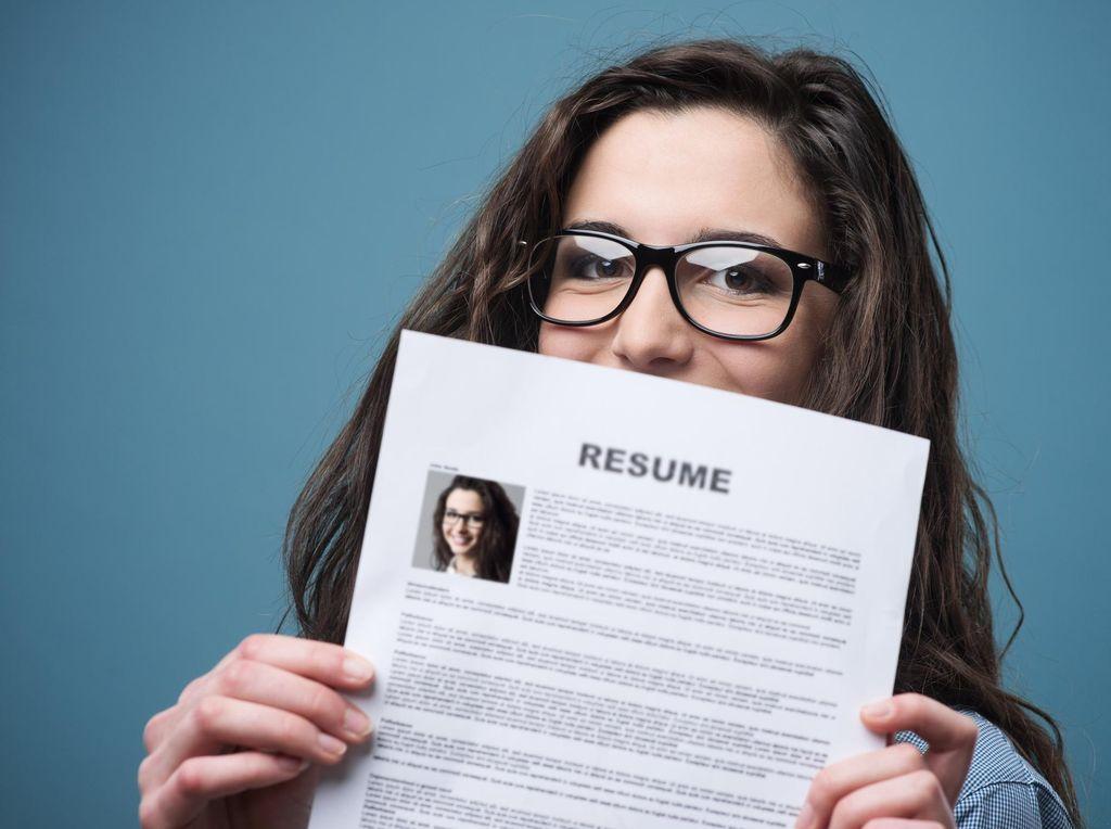 Serba-serbi Menulis CV yang Layak untuk Diketahui