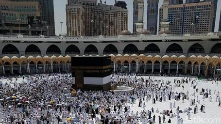 Berjuta Rasa Saat Berada Di Masjidil Haram