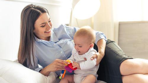 Begini Cara Agar Ibu Bekerja Tetap Bisa Beri Stimulasi untuk Anak