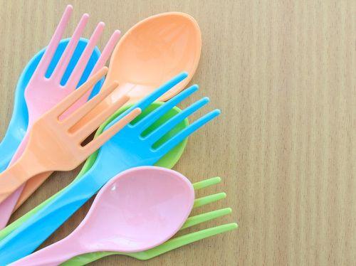 Cegah Kanker, Orang Tua Harus Cermat Pilih-pilih Produk Plastik Untuk Anak