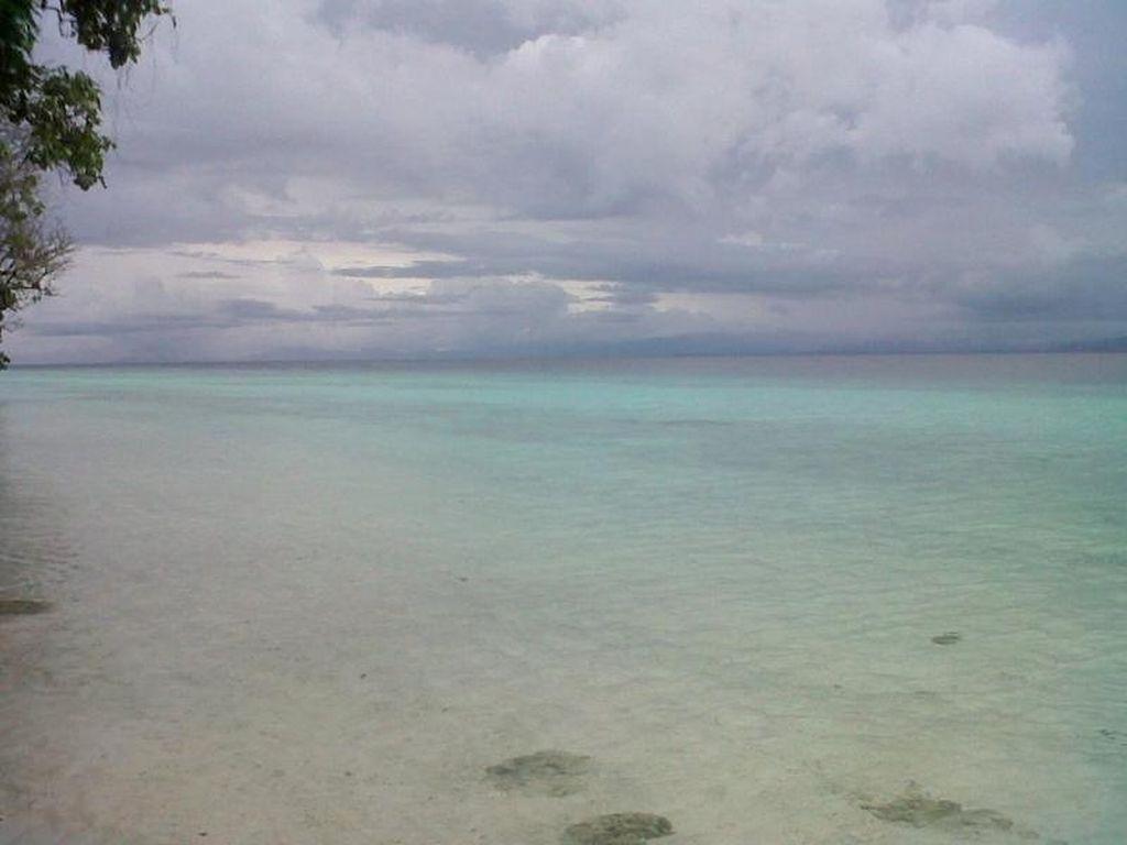 Liburan di Ambon, Wajib Mampir ke Pantai Liang