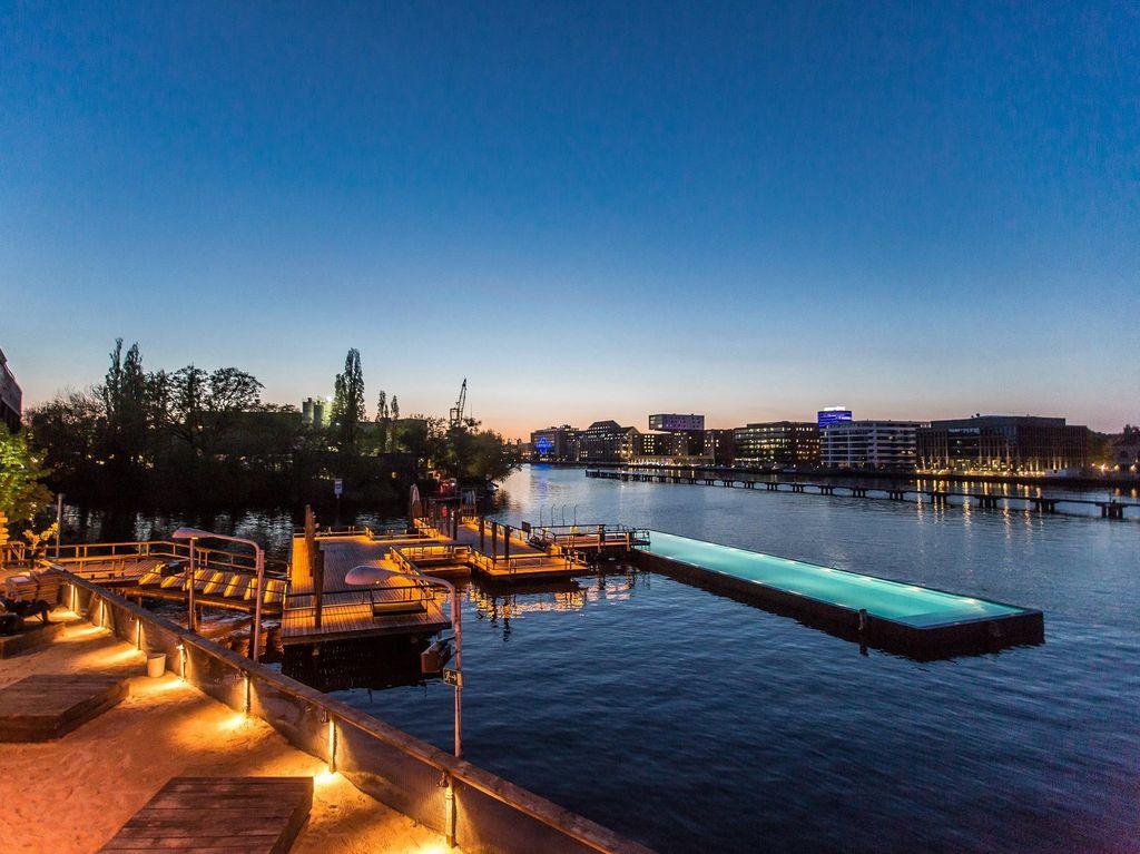 Sungai yang Punya Kolam Renang Ada di Jerman