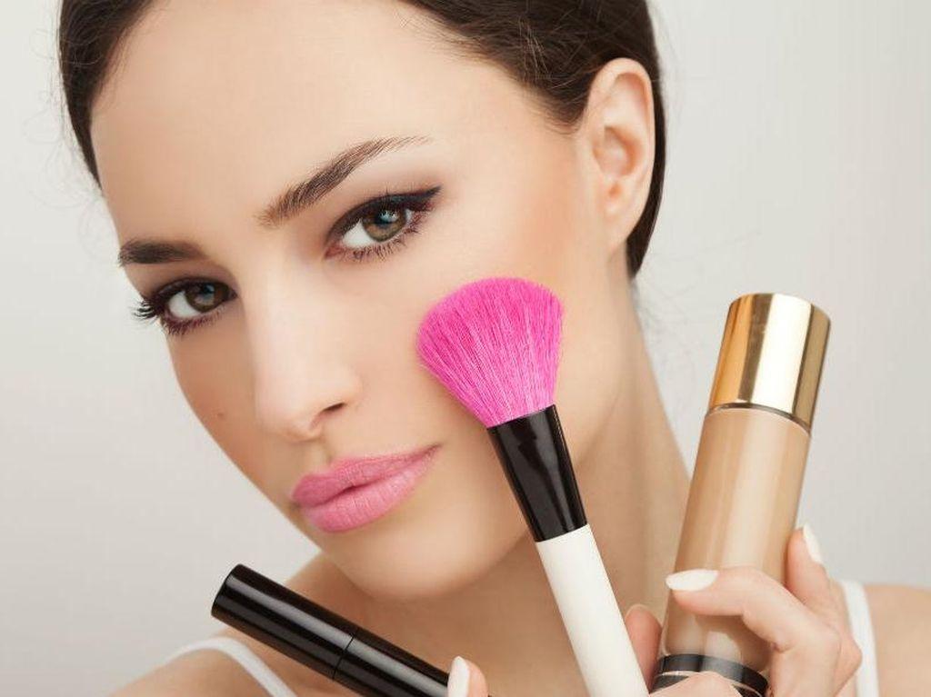 Suami Minta Cerai Pasca Lihat Wajah Istri Pertamakalinya Tanpa Makeup