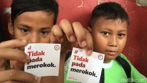 Peran Penting Anak-anak Bantu Orang Tuanya Berhenti Merokok