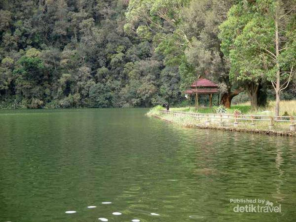 Danau Lau Kawar yang Eksotis Tapi Berbalut Mistis