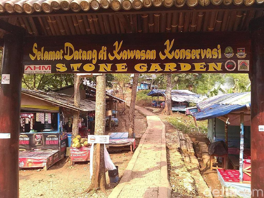 Ini Kata Traveler Soal Mahalnya Biaya Foto di Stone Garden