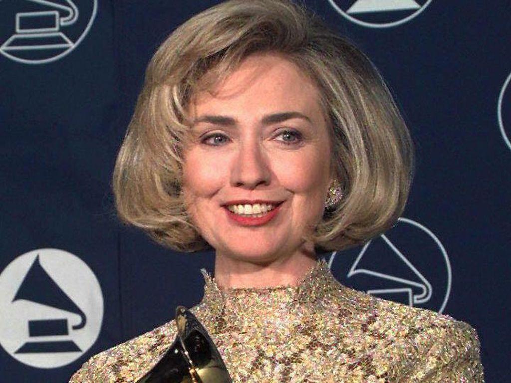 Tranformasi Rambut Hillary Clinton Dari Masa ke Masa