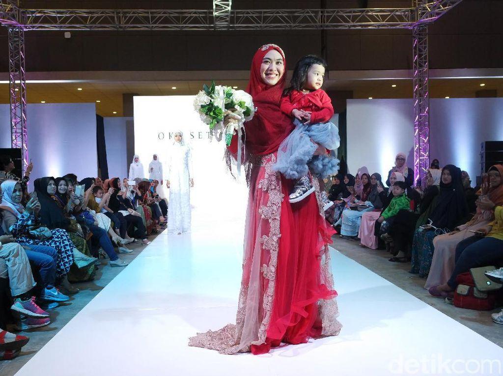 Hamil, Janet Jackson Muncul di Publik Pakai Penutup Kepala Mirip Hijab