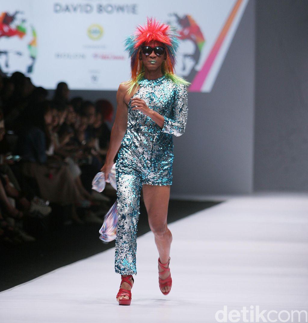Gaya Heboh Aming Hingga Elegannya Tatjana Saphira Saat Jadi Model Catwalk
