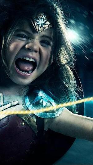 Pria Ini Habiskan Rp 19 Juta Dandani Putrinya Jadi Mirip Wonder Woman