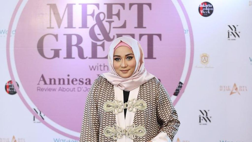 Sukses di NY, Anniesa Hasibuan Akan Tampilkan Koleksi DJakarta di JFW 2017