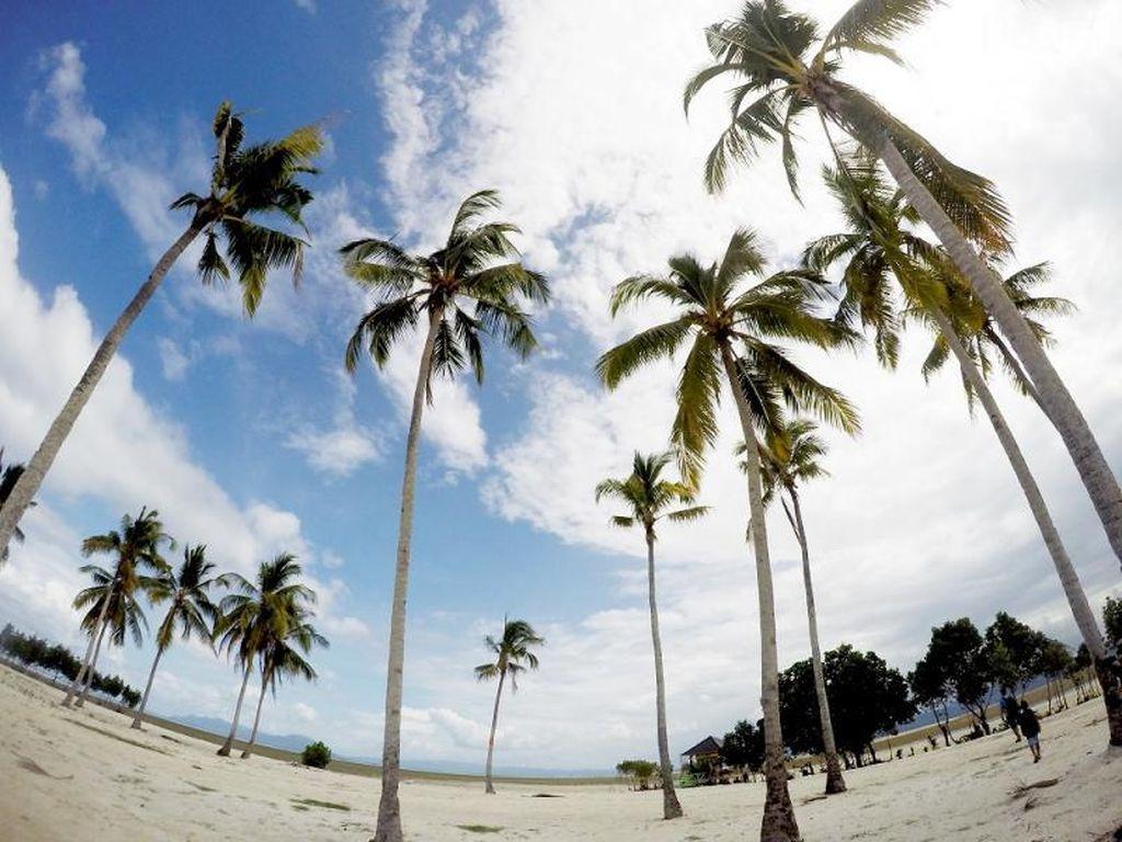 Kecantikan Pulau Bokori, Primadona Baru di Sulawesi Tenggara