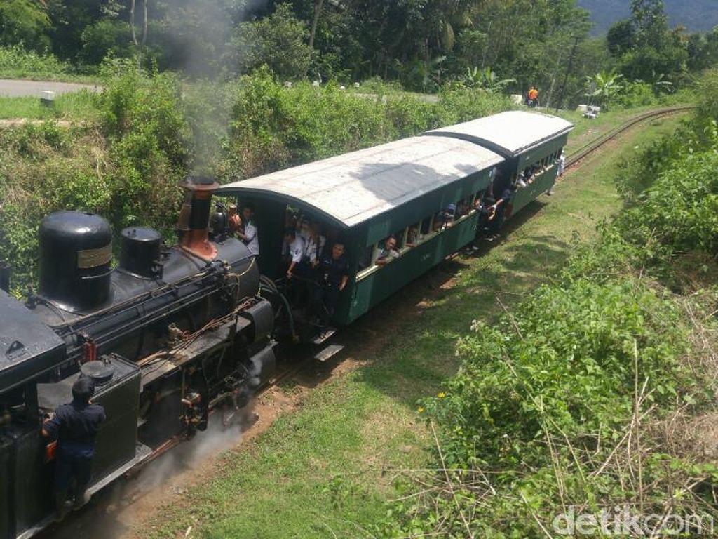 Kereta Uap Kuno di Ambarawa yang Kembali Hidup