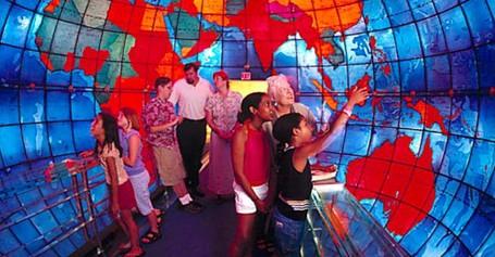Globe Super Besar Di AS, Bisa Dimasuki Turis!