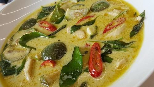 Menu Ke-17: Sedapnya Green Curry Hingga Tom Yum Pla Khas Thailand