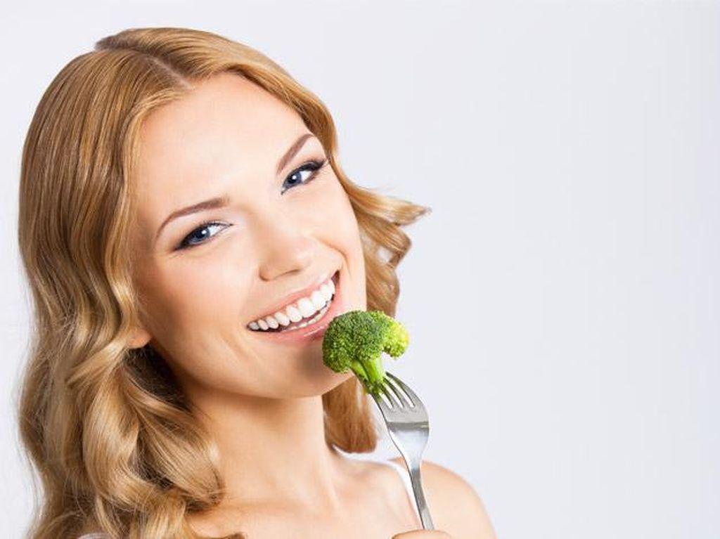 8 Makanan Ini Lebih Bernutrisi Saat Dimakan Mentah (1)