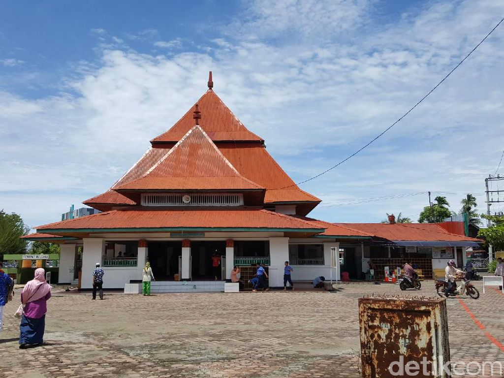 Presiden Soekarno Memang Insinyur Pintar, Masjid Ini Adalah Buktinya