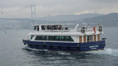 'Membelah' Benua Eropa Dan Asia Dengan Kapal Pesiar Bosphorus