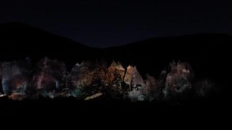 Habiskan Malam di Cappadocia Nonton Pertunjukan Cahaya Keren!