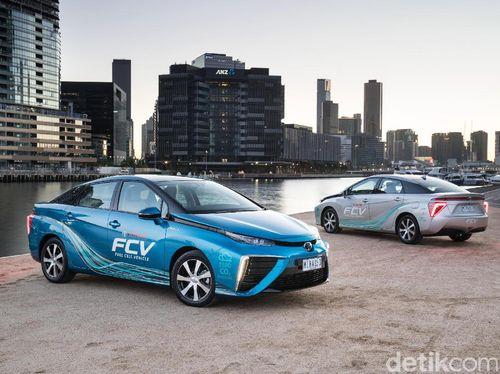 Mobil Hidrogen Toyota Kini Bisa Diisi Hidrogennya di Mana Saja