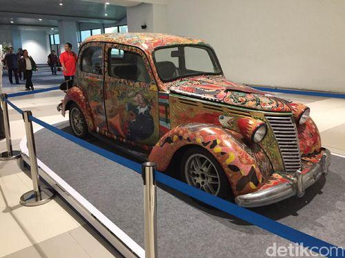 Mobil Antik Jadi Karya Seni Menarik di Terminal 3 Ultimate