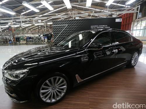 Ini Alasan BMW Berani Rakit Seri 7 di Indonesia