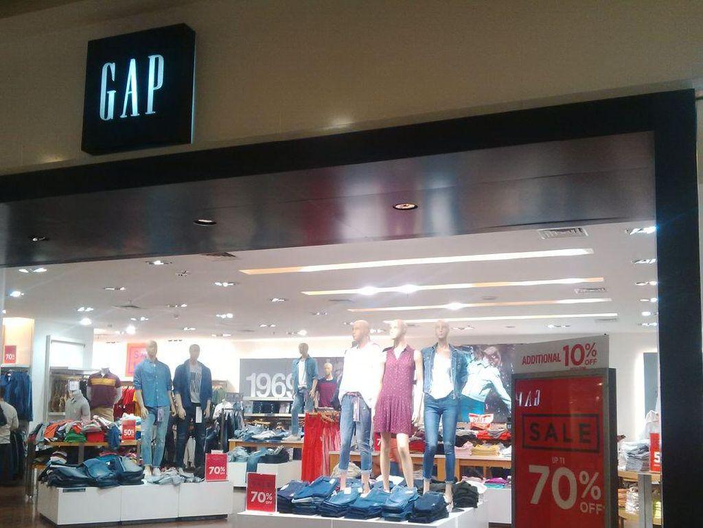 4 Brand Busana dan Sepatu yang Diskon Hingga 70% di Grand Indonesia
