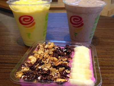Jamba Juice: Segarnya Smoothies Mangga dan Energy Bowl Buah Naga dari Gerai Jus Amerika