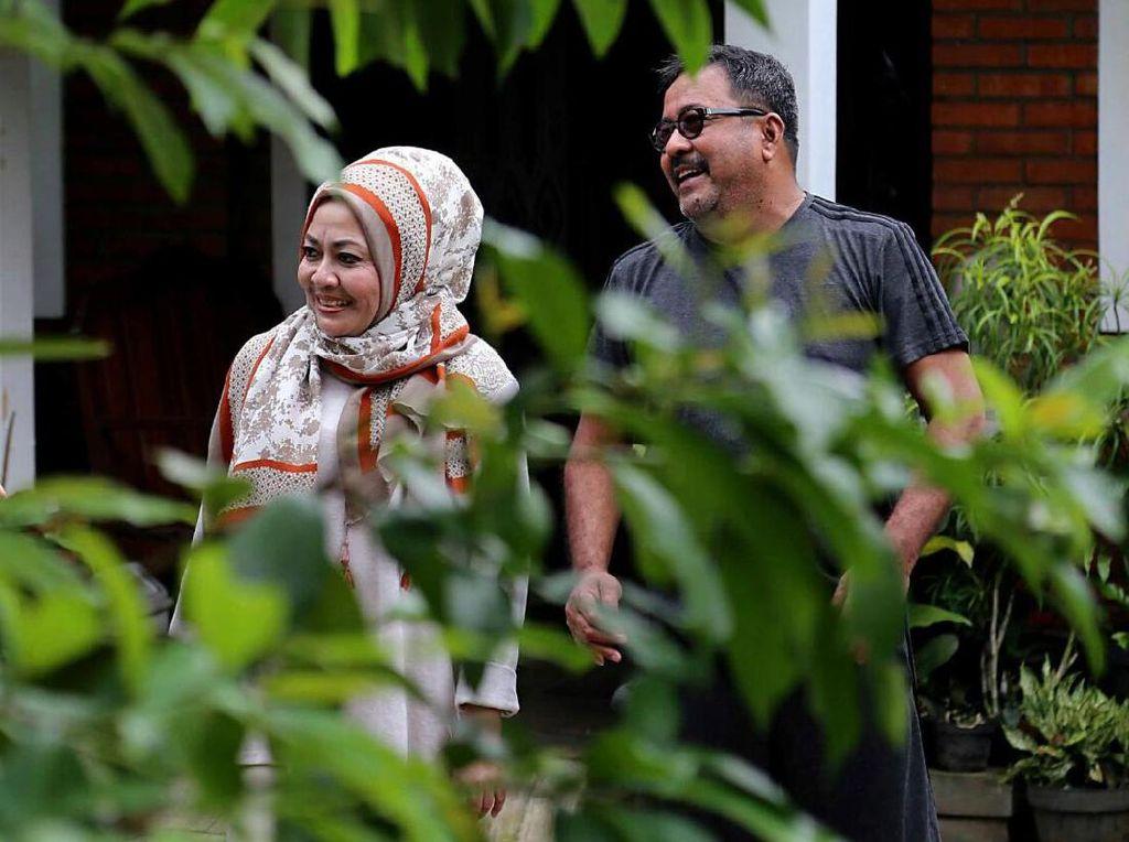 Begini Aktivitas Keseharian Rano dan Istri