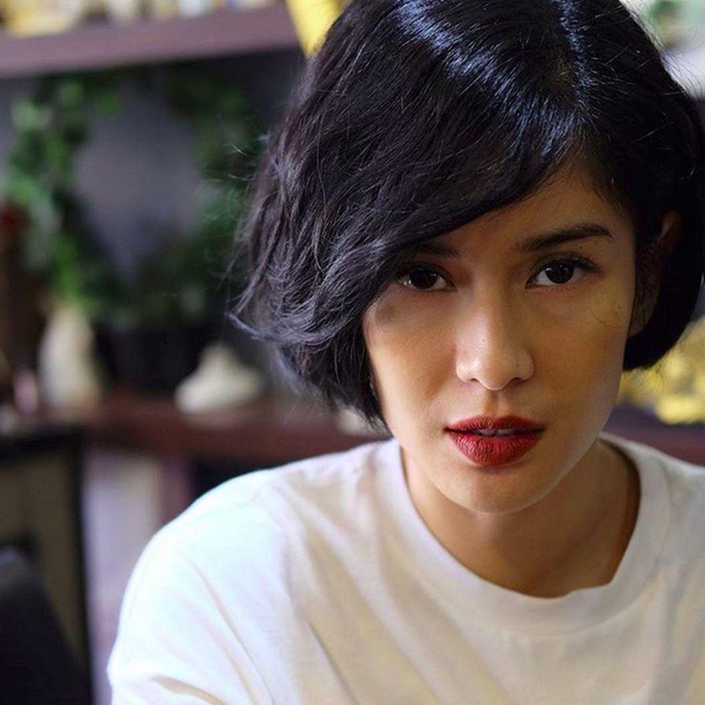 Rambut Pendek Dian Sastro Bikin Netizen Terbelah