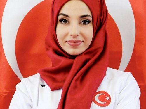 Kubra Dagli, Hijabers Cantik Peraih Medali Emas di Kejuaraan Taekwondo Dunia