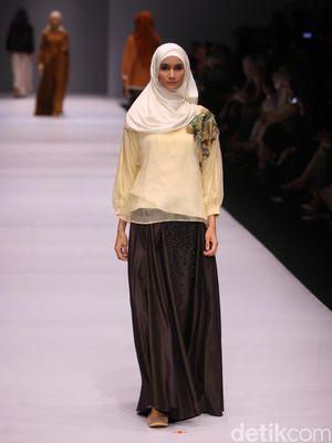Foto: Koleksi Label Kami Idea di Jakarta Fashion Week 2017