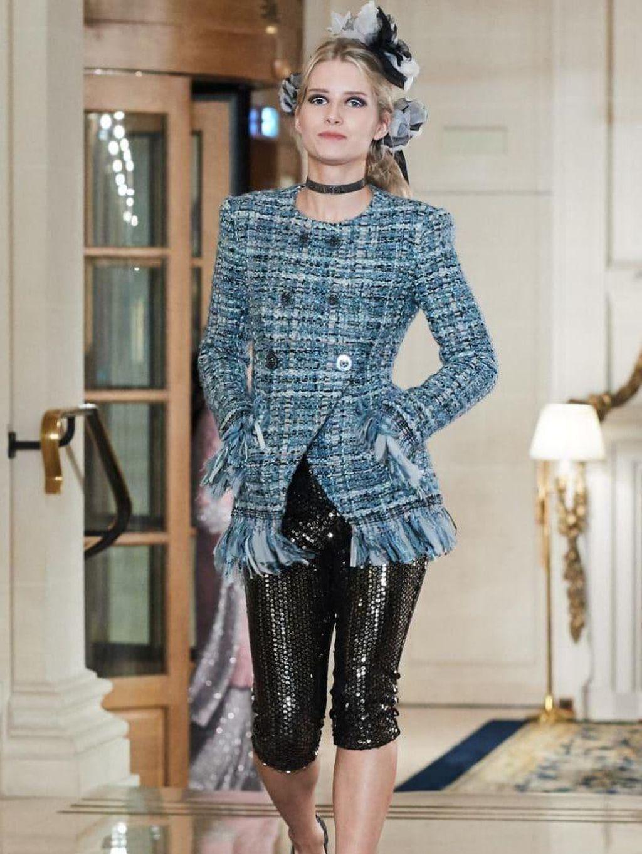 Adik Kate Moss Tampil Perdana Jadi Model Fashion Show Chanel