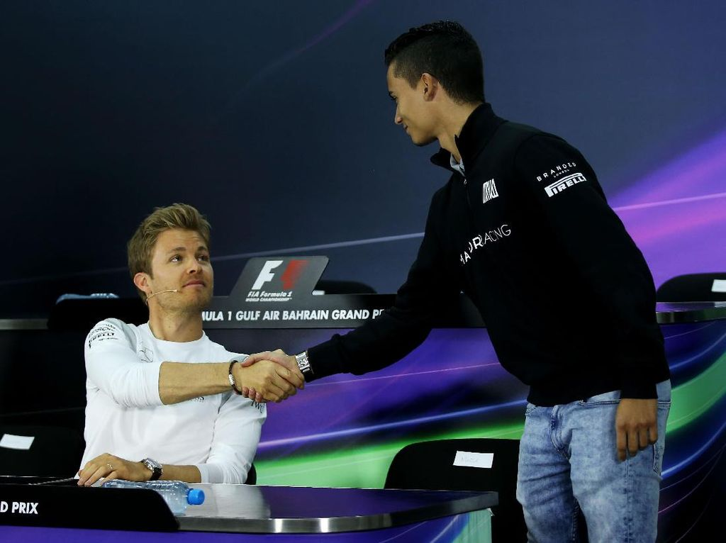 Iklan Lowongan Kerja Pebalap F1 Mercedes yang Lucu
