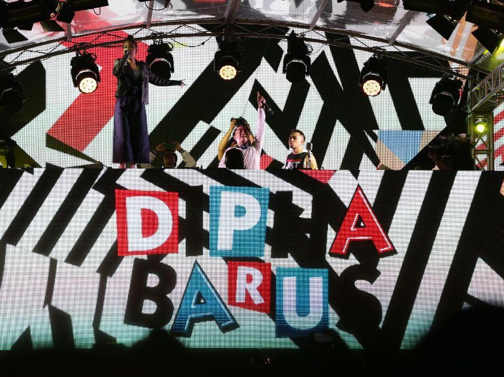Jangan Kasih Kendor! Dipha Barus Hentak DWP 2016 Hari Kedua