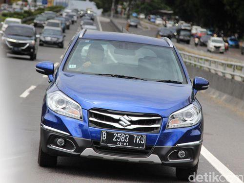 Menguji Suzuki SX4 S-Cross Di Jalanan Ibu Kota