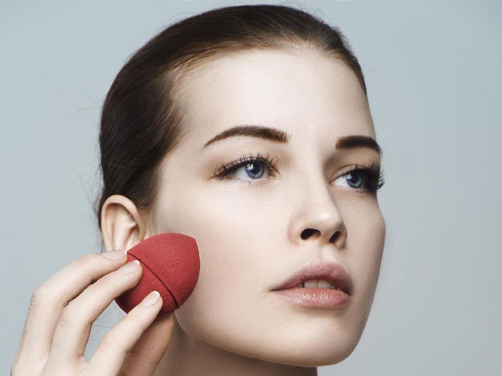 Brand Makeup Jepang Rilis Foundation yang Sekaligus Bisa Merawat Wajah