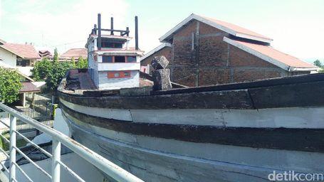 'Perahu Nabi Nuh' Di Aceh Yang Tidak Pernah Sepi Wisatawan