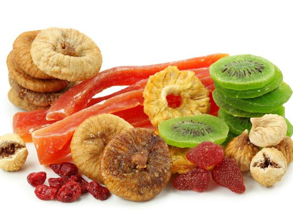 Ikuti Tips Ini Saat Menyiapkan Buah Kering untuk Fruitcake
