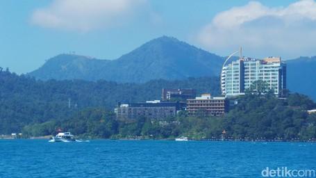 Danau Super Biru Nan Indah Buat Liburan Akhir Tahun Ke Taiwan