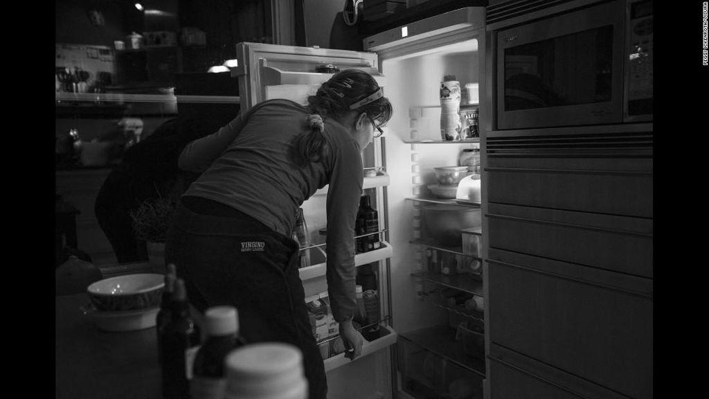 Potret Keseharian Gadis yang Selalu Merasa Lapar karena Kondisi Langka