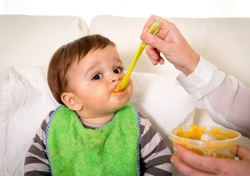 10 Makanan Ini Sebaiknya Tak Diberikan pada Bayi Usia Kurang dari 1 Tahun (1)