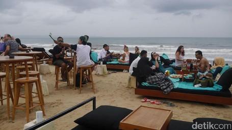 6 Tips Liburan Tahun Baru Di Pantai