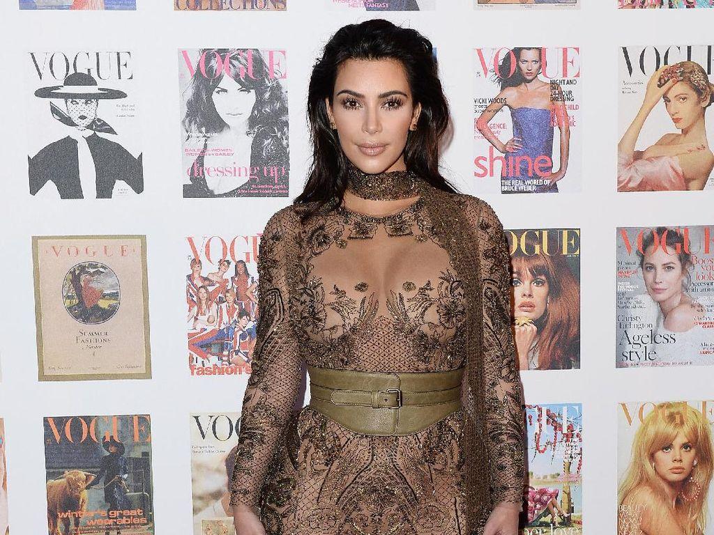 Kim Kardashian Diam-diam Curi Lipstik Kylie Jenner di Toko New York