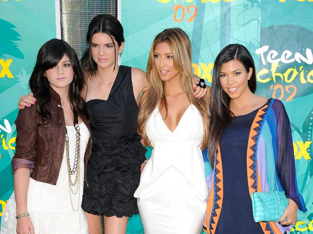 15 Fakta Tentang Keluarga Kardashian yang Belum Tentu Kamu Tahu