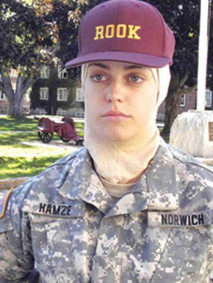 Kabar Gembira, Tentara AS Kini Boleh Berhijab Selama Bertugas