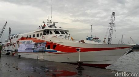 Begini Rasanya Naik KM Express Bahari 3B Tujuan Kepulauan Seribu