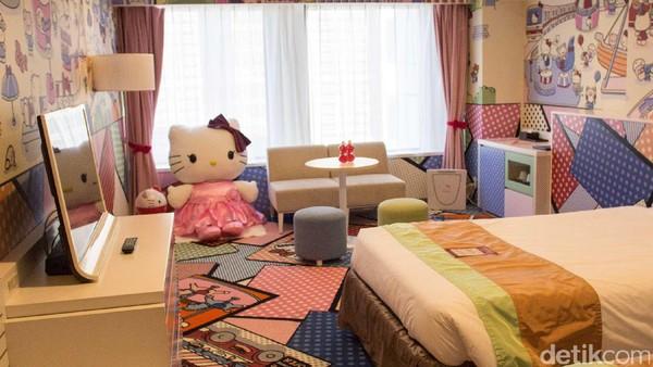 Menginap bareng hello kitty di tokyo for Dekor ulang tahun di kamar hotel